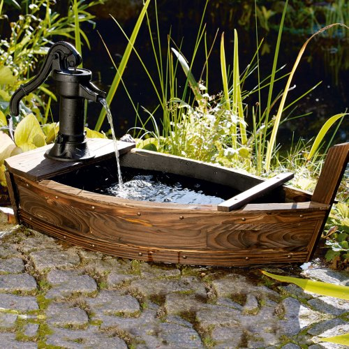 garten brunnen boot design kein wasseranschluss n tig 5 w pumpe holz eisen 2 meter zuleitung. Black Bedroom Furniture Sets. Home Design Ideas